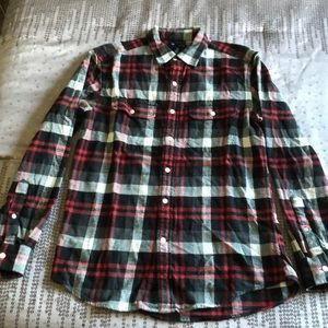 NWOT-Gap Classic Fit Flannel Long Sleeve Button